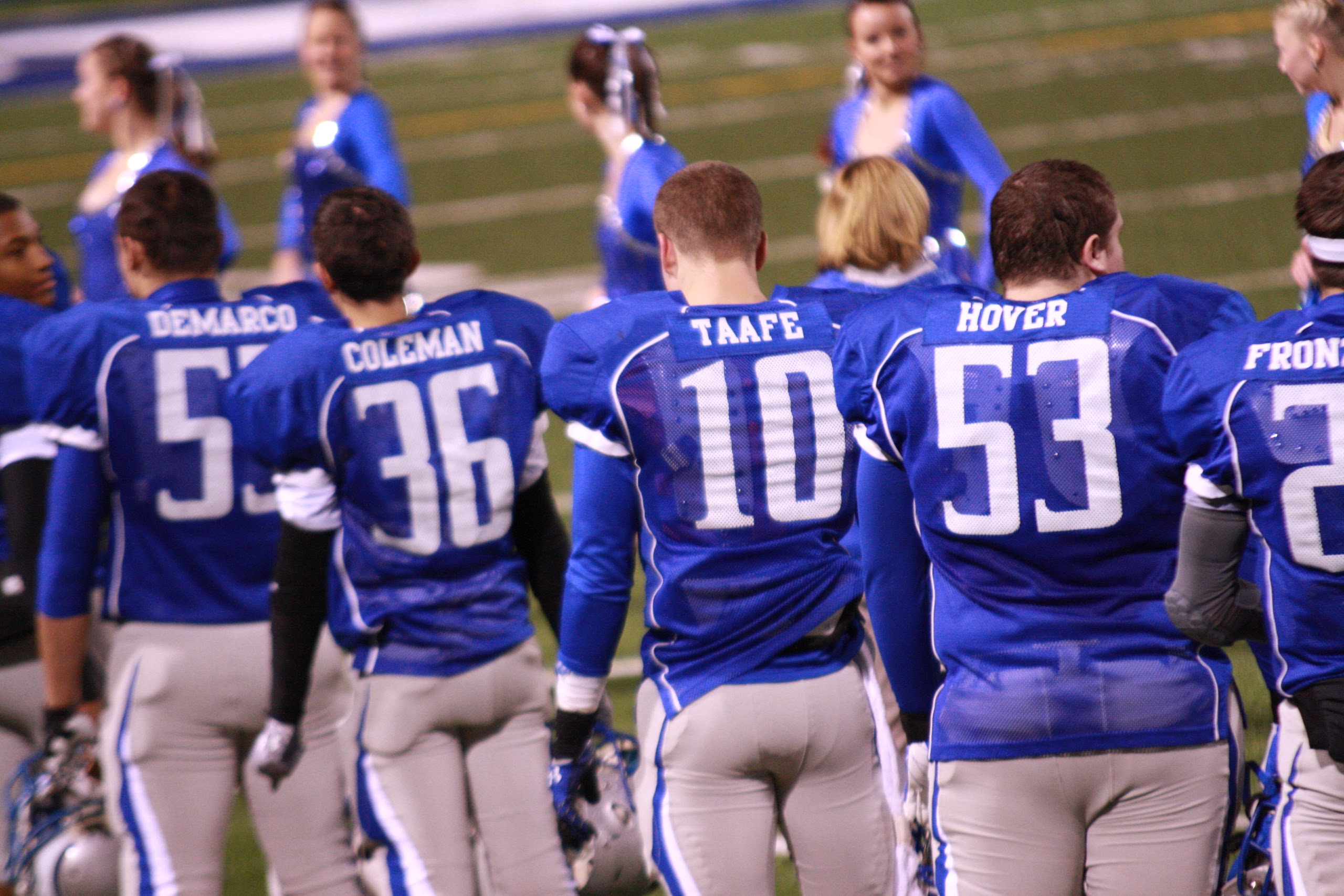 players-on-the-sidelines-2