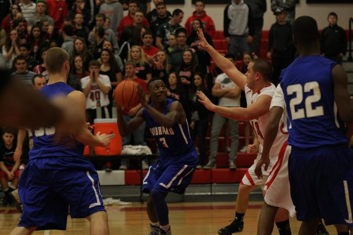 Girard's Hot Second Half Drowns Eagles