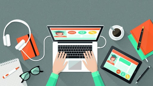 The Pros and Cons of Online Schooling for Students